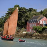 VANNES Maison rose et bateau